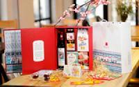 Kinh nghiệm chọn hộp quà tết đẹp cho người thân trong năm mới